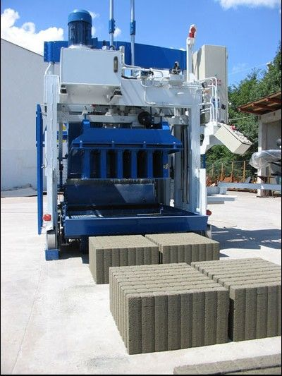 Movable block machine SUMAB E12 EGGLAYER