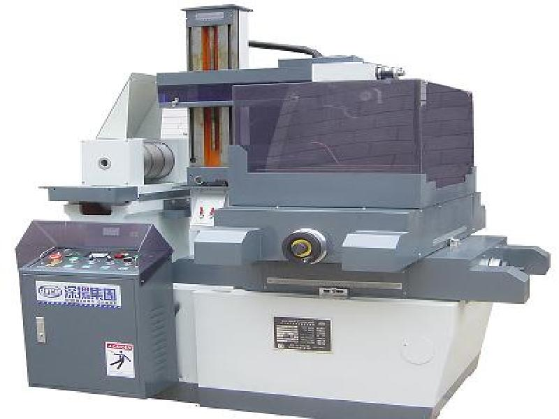 Electric sparkle discharge wire cutting machine