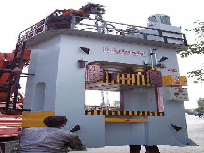 250 / 90 TON CAPACITY H TYPE DEEP DRAWING PRESS