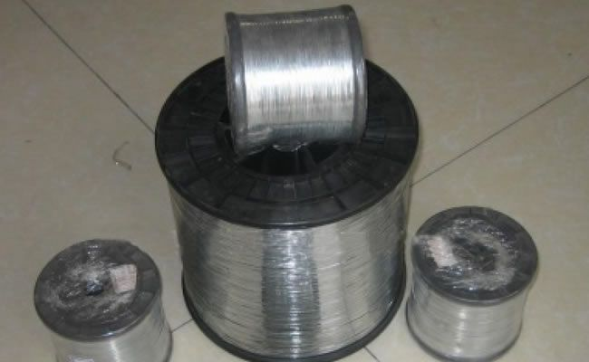Galvanized wire spools